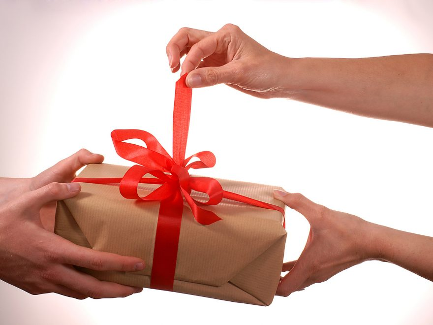 Memorable And Thoughtful Birthday Gifts For Your Life Partner This Year